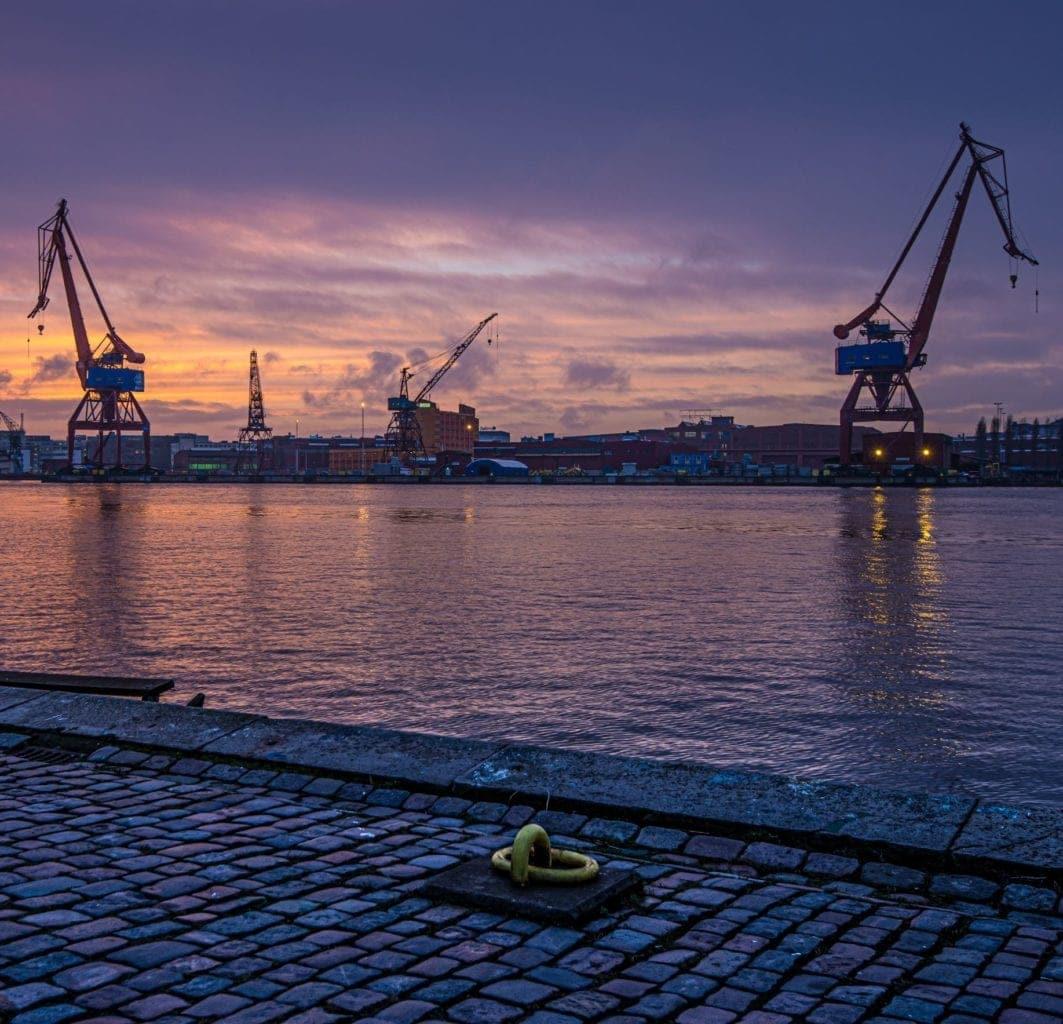logistieke sector - Taleninstituut Nederland